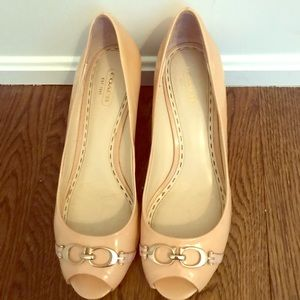 Coach wedges size 9 in nude with  coach buckle
